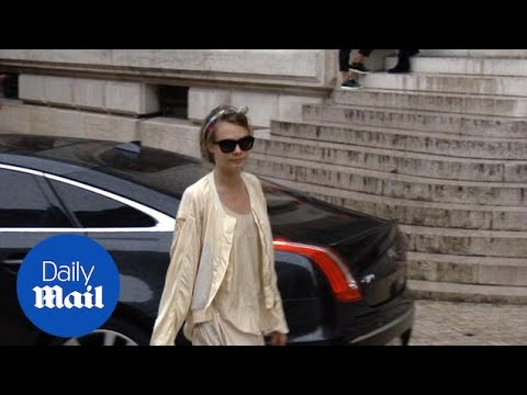 Cara Delevingne Arrives At The Stella McCartney Show - Daily Mail