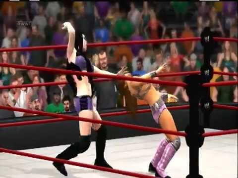 WWE Paige VS. Layla - مصارعه نسائية - مصارعة حريمي مثيرة 2014