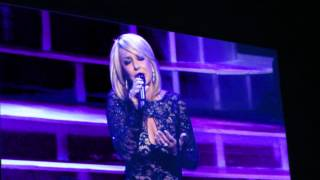 Googoosh Bigharar Live Version 1976گوگوش  بی قرار .wmv