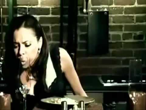 YouTube - AKON feat. - TERA KAALE RANG DA YAAR - pb.flv
