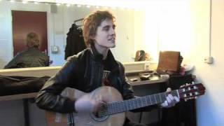 Bert Ostyn from Absynthe Minded plays Moodwsing Baby unplugged live