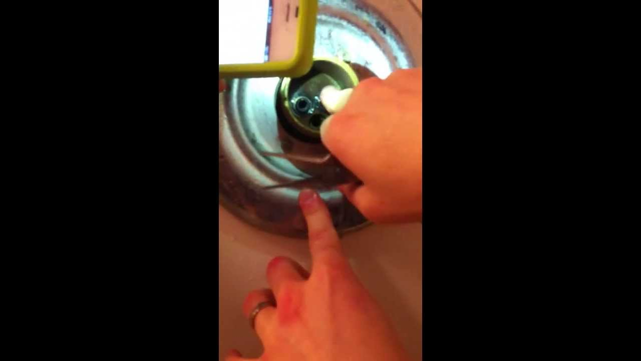 How to Repair a Delta Monitor Leaky Tub Faucet - Part 1 (1700 Series ...