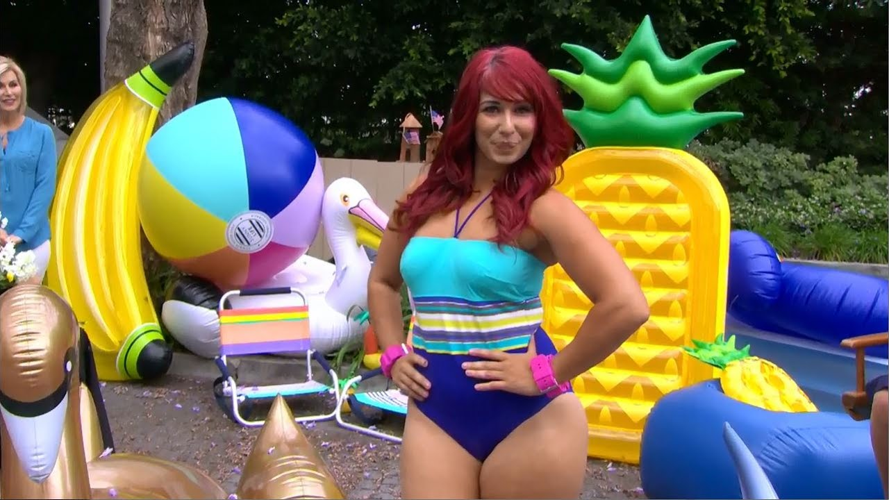 e2bd902cd44be How to choose the best bathing suit for your body type, with Alexa Curtis
