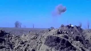 Война видео Украина Донбасс  2015  Точное попадание в танк ополченцев Редкие кадры ukraine news onli