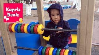 Rainy day lonesome playground , learning colors ☔ Детская площадка, в дождливый день учим цвета