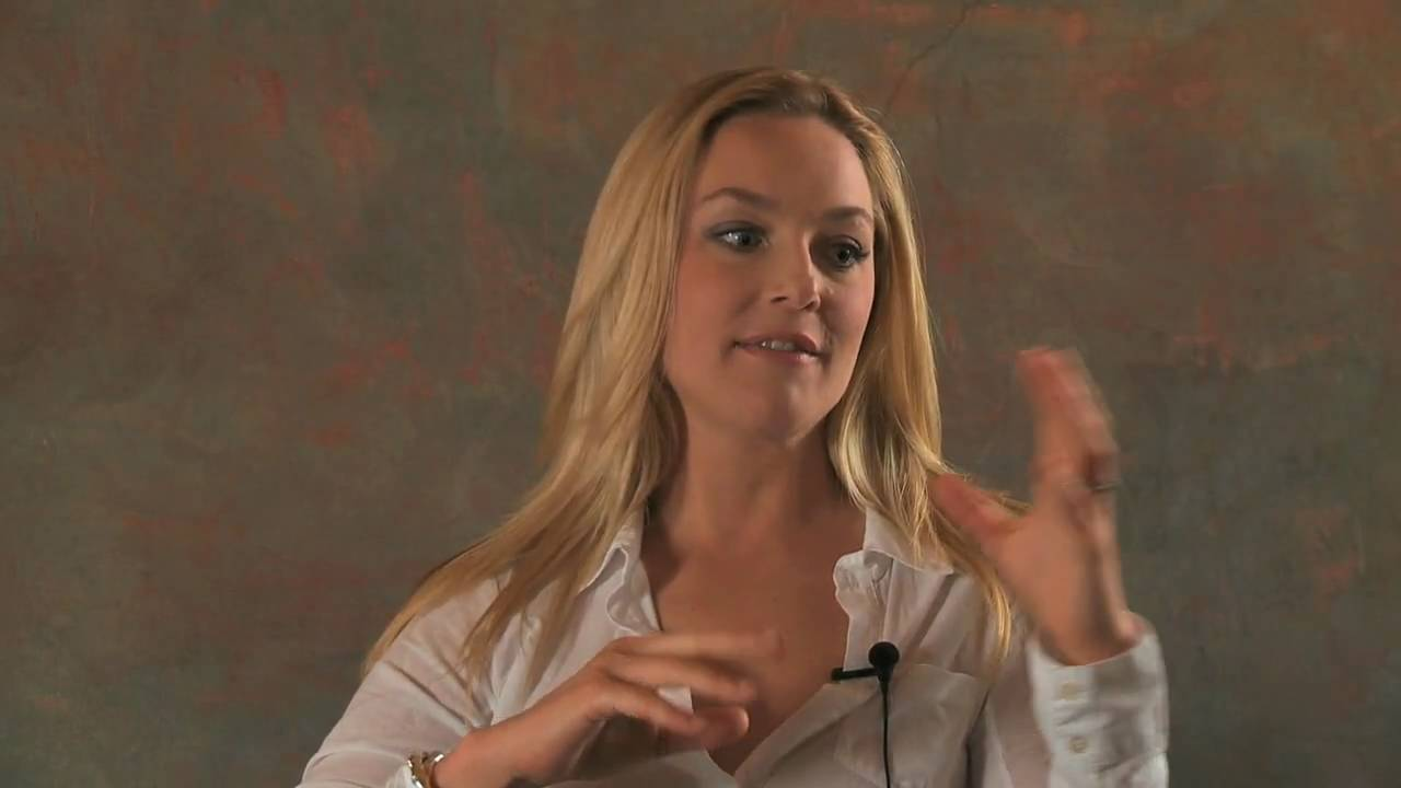 Elisabeth Röhm '96: Actor, Film & Television - YouTube