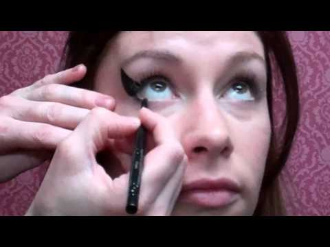 How To: Amy Winehouse Halloween Makeup @ The Beehive