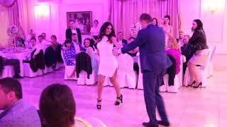 Шикарный первый танец /Chic first dance