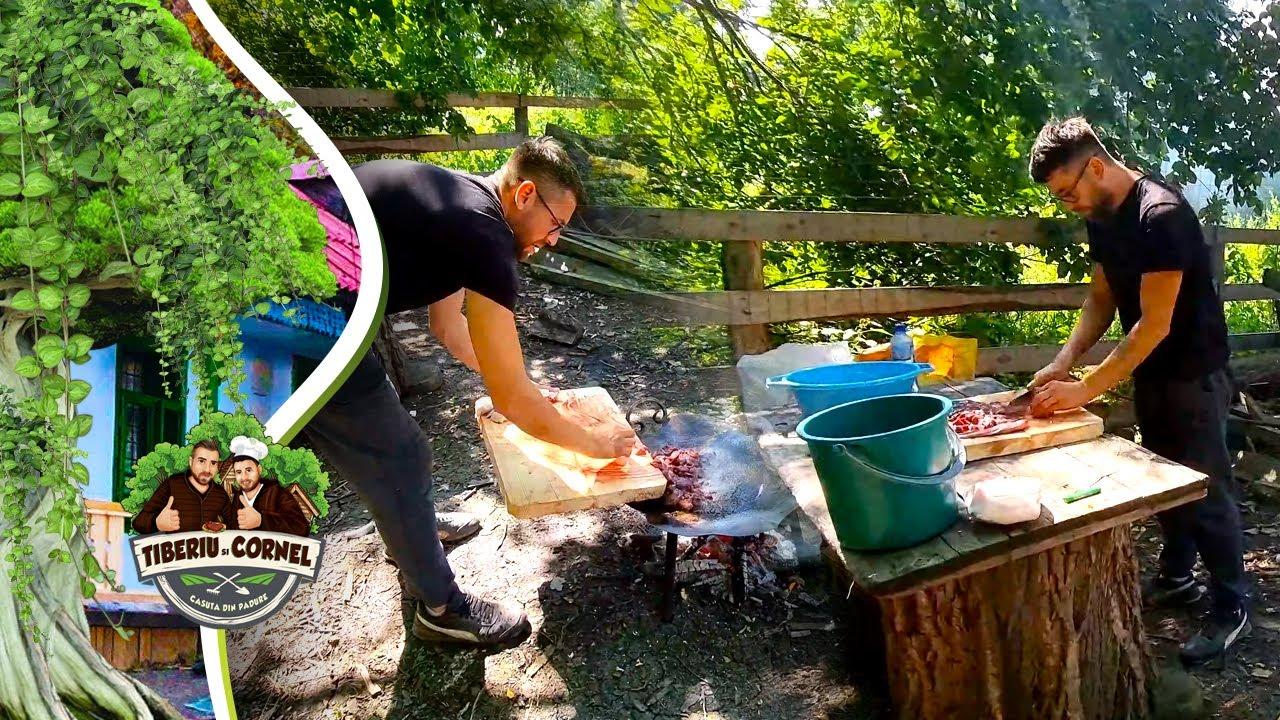 Download Cornel pregătește organe de porc cu legume la Casuta din Padure !