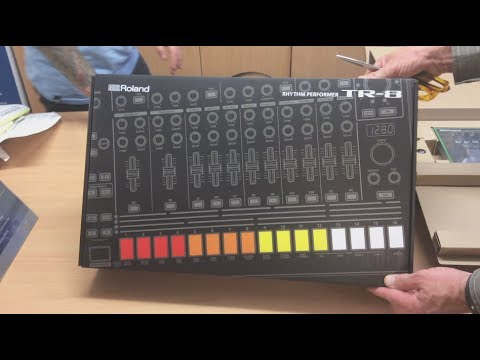 roland aira tr 8 tb 3 vt 3 unboxing first look upclose unpack and listen youtube. Black Bedroom Furniture Sets. Home Design Ideas