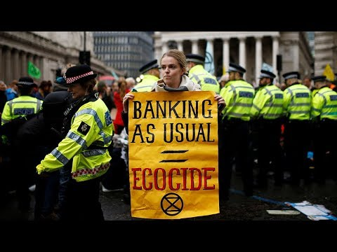 video: Extinction Rebellion bring traffic to standstill around Bank of England as group targets City of London