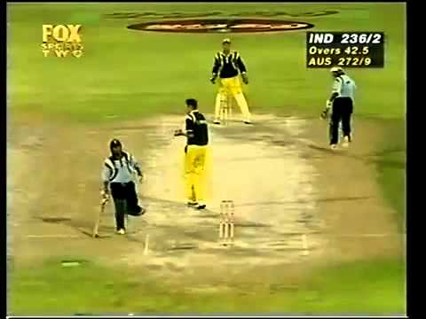Sachin Tendulkar 134 vs Australia 1998 Sharjah Final - YouTube.flv