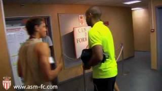Exclusif : Thierry Henry retrouve les jeunes de l'Academy de l'AS Monaco.