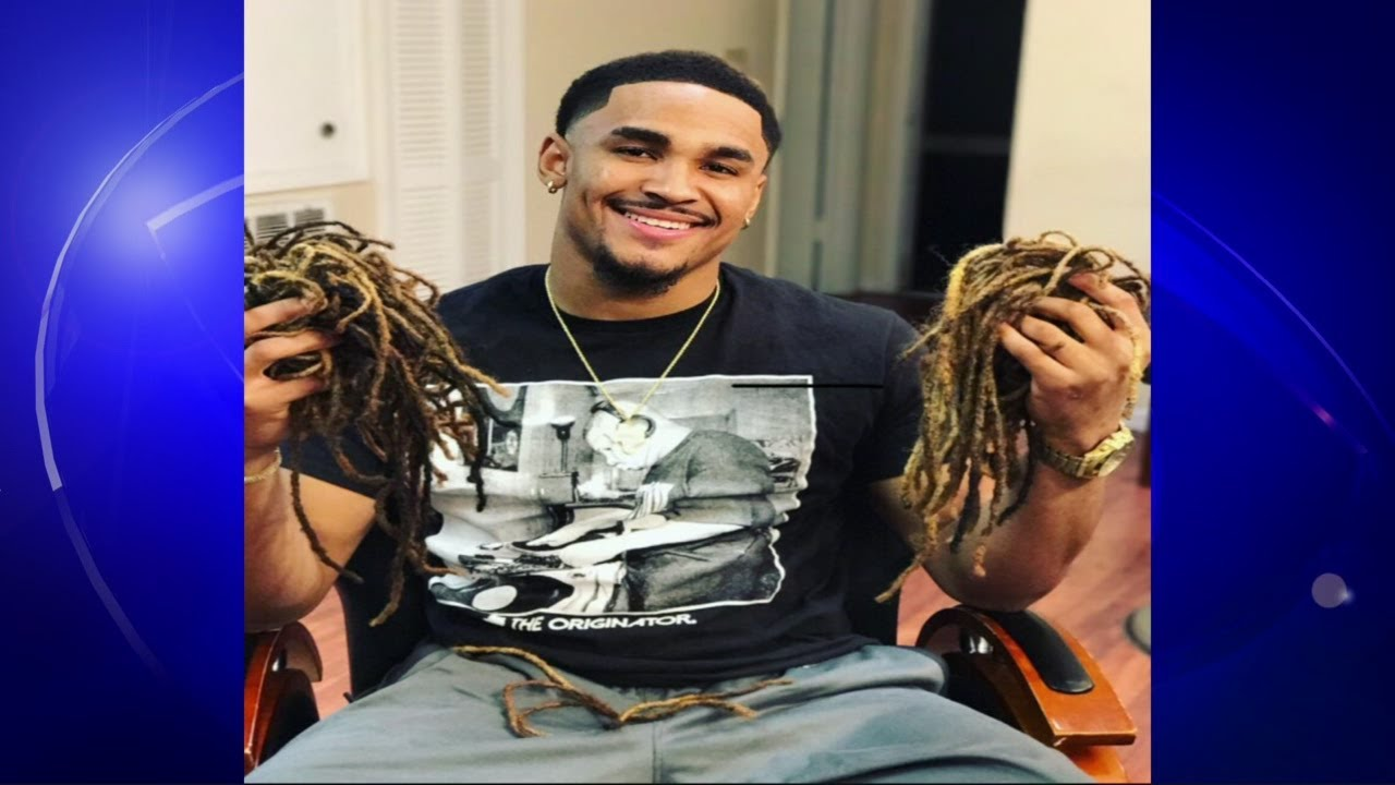 Jalen Hurts Rocks New Hairstyle