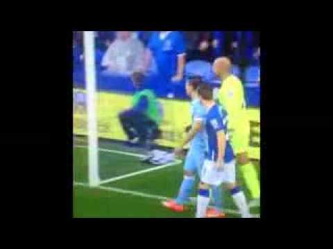 Manchester City y Everton, el gesto de Aguero