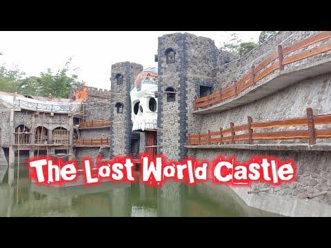wisata-hits-di-jogja,-the-lost-world-castle