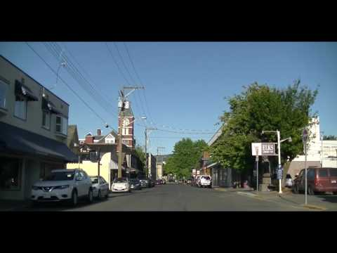 Driving In DUNCAN BC Canada - Tour Of Vancouver Island Town/City/Downtown - Totem Poles