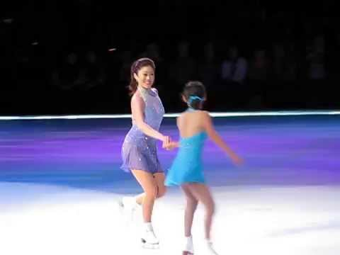 Golden Moment Hawaii  Kristi Yamaguchi and Daughter