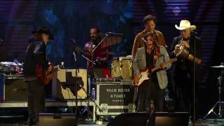 Willie Nelson & Lukas Nelson - Texas Flood (Live at Farm Aid 25)