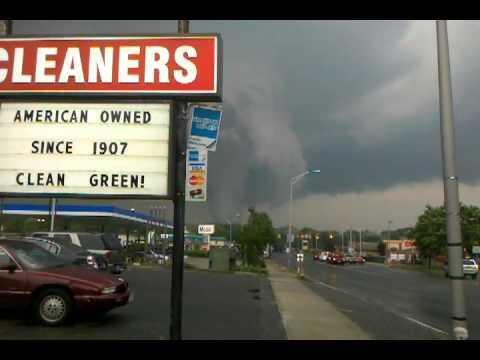 Springfield Massachusetts Tornado June 1st 2011 Shocking (Raw Video)