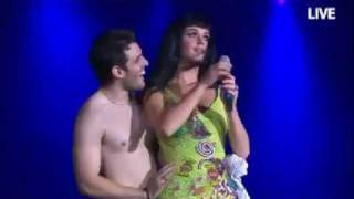 Repeat youtube video Katy Perry kissing a brazilian boy (Rock in Rio)