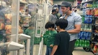 Hrithik Roshan Goes Shopping In Spain With His Sons