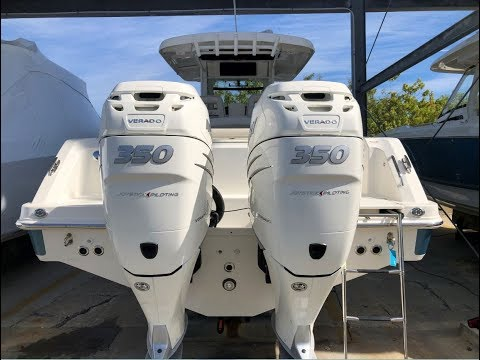 2018 Boston Whaler 330 Outrage Boat For Sale at MarineMax Clearwater