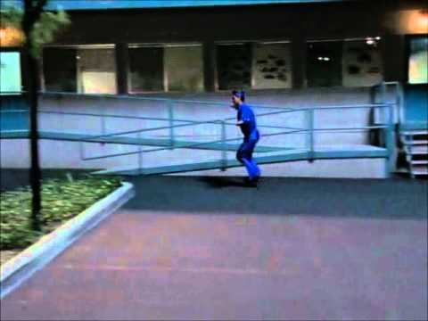 Malcolm in the Middle: Rollerskates - YouTube