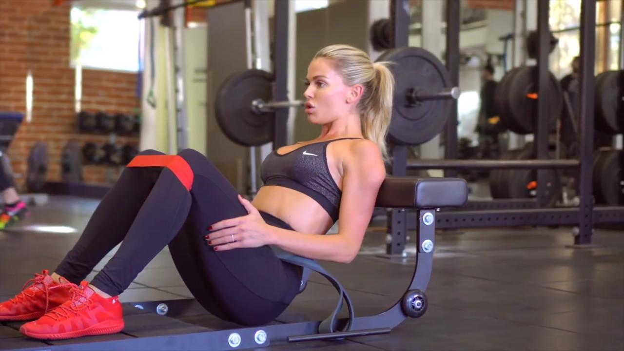 Model workout for toned slim legs w/ Chelsea Salmon