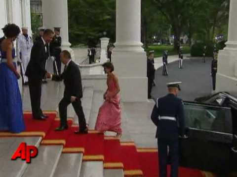 Raw Video: Obamas Welcome Mexican First Couple