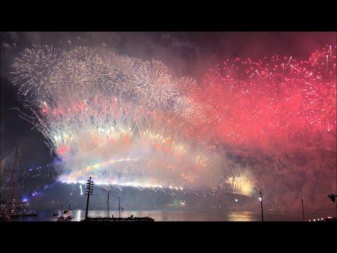 Sydney New Year's Eve 2018/2019 Midnight Fireworks