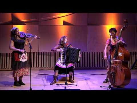 Sound & Style: Stiletto Sisters