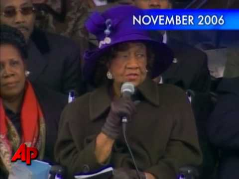 Dorothy Height, Civil Rights Leader, Dies
