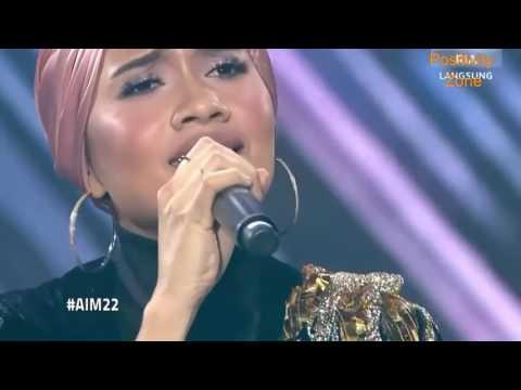 Yuna ft. SonaOne Medley Pulang & Crush @ AIM 22