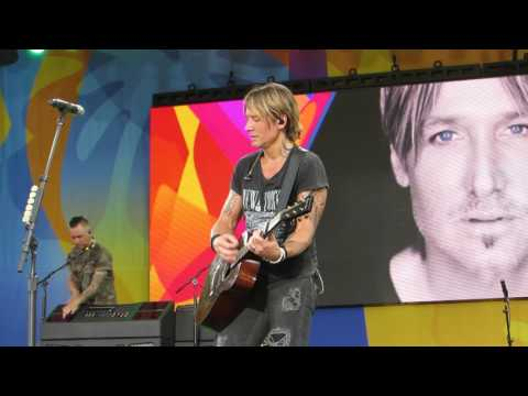 "Keith Urban ""Break On Me"" (Jammin at Beginning) Live @ Good Morning America"
