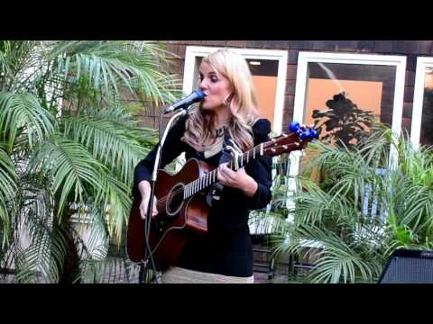 "Lily Holbrook ""Leaving on a Jet Plane"" (First Set) Stanford Park Hotel 05.26.17"