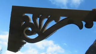 Wooden Arch Gable Ornament Victorian Fretwork for House Entrance with Plain Timber and Jigsaw