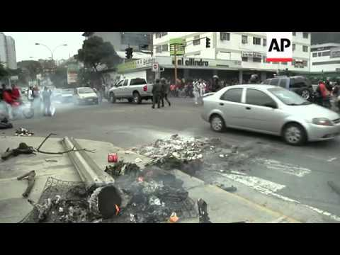 Anti govt demonstrations continue as opposition leader faces charges in tense Venezuela