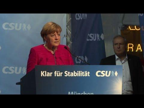 Pfiffe und harte Worte: Wahlkampfausklang bei CDU und SPD