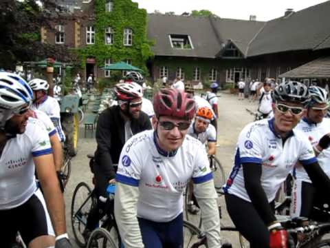 GBI 2011 Day 5 - Cyclists preparing for the group ride to Dusseldorf