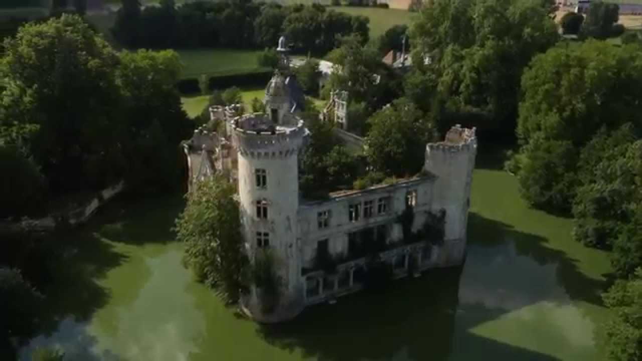 Château de la Mothe-Chandeniers - DroneContrast