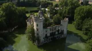 Château de la Mothe-Chandeniers - DroneContrast(www.dronecontrast.com - Élevez vos perspectives http://www.dronecontrast.com/ https://www.facebook.com/dronecontrast https://twitter.com/dronecontrast ..., 2014-08-18T09:56:17.000Z)