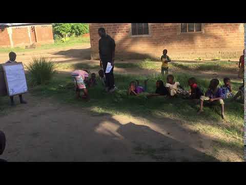 Manuela Cooperante con Raleigh en Tanzania