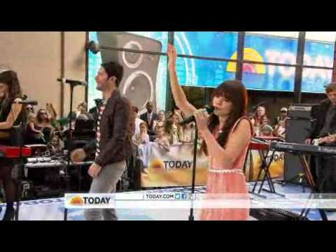 "Owl City & Carly Rae Jepsen performs ""Good Time"" on Today Show"