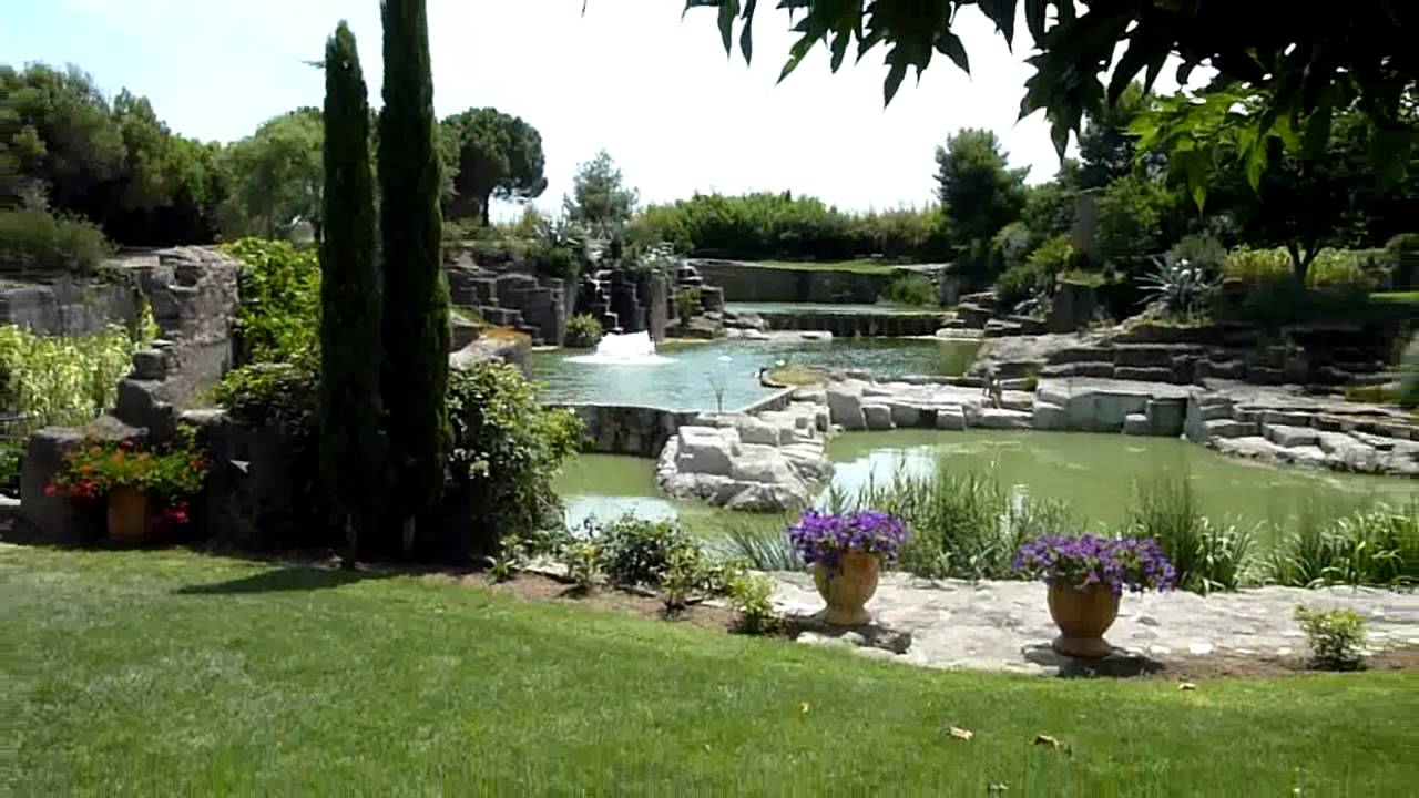 Le jardin de saint adrien loz re63 youtube for Jardin saint adrien