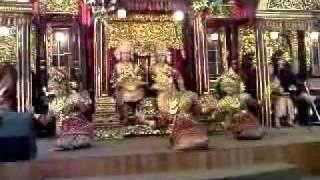 Tari tanggai merupakan salah satu penyambutan dari palembang, sumatra selatan untuk menyambut para tamu yang datang ke palembang atau suatu acara spt ac...