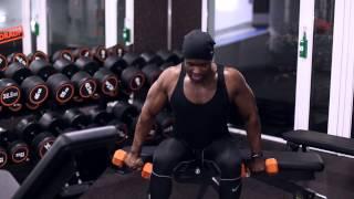 Schultern so rund wie Bowlingkugeln | Meine Methoden für imposante seitliche Schultern!