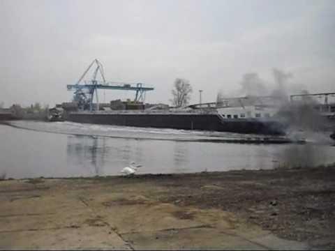 Spouštění lodi-Loděnice Nova Mělník