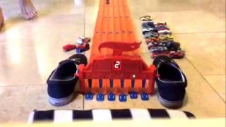 Hot Wheels 6 Lane Drag Race Tournament