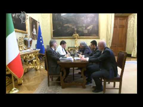 Grillo renzi video scontro in streaming al parlamento for Streaming parlamento